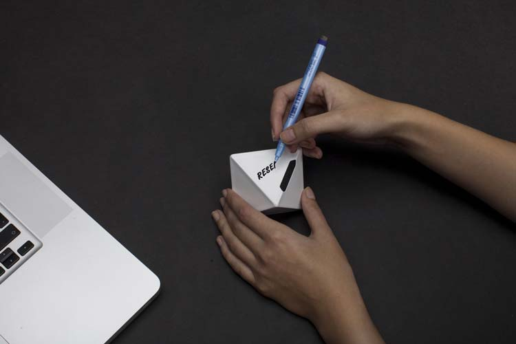 zei-device-tangible-time-tracking_2